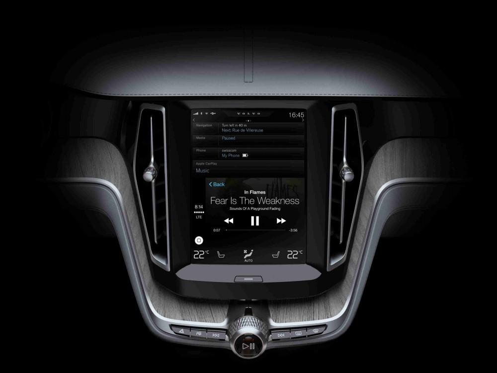 """""""Volvo Cars"""" vienija jėgas su """"Apple"""""""