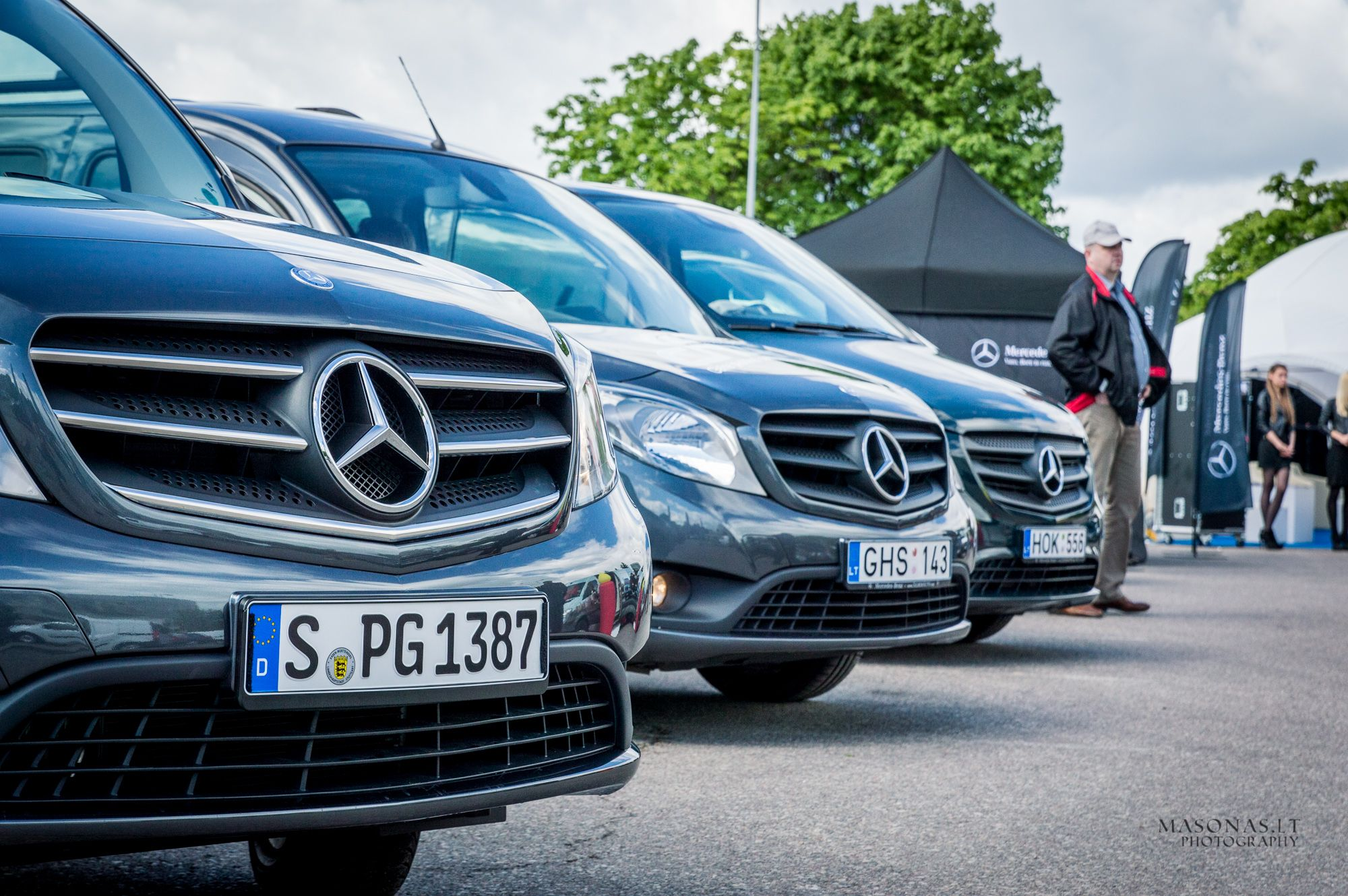 """""""Maksimaliai prieinami"""" naujausi """"Mercedes-Benz"""" komerciniai modeliai"""
