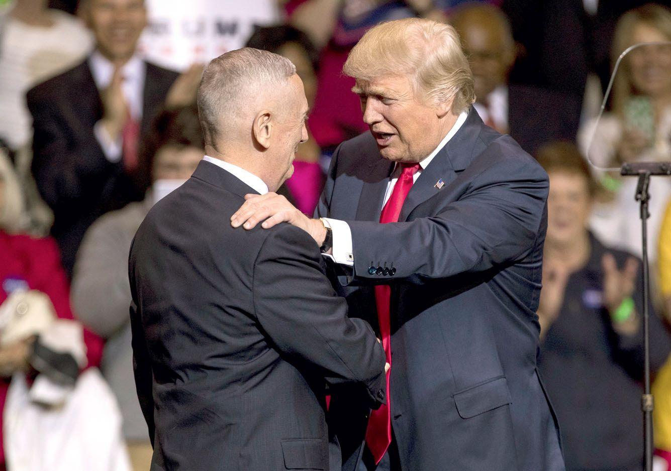 JAV gynybos strategija – Pasiutusio Šuns rankose